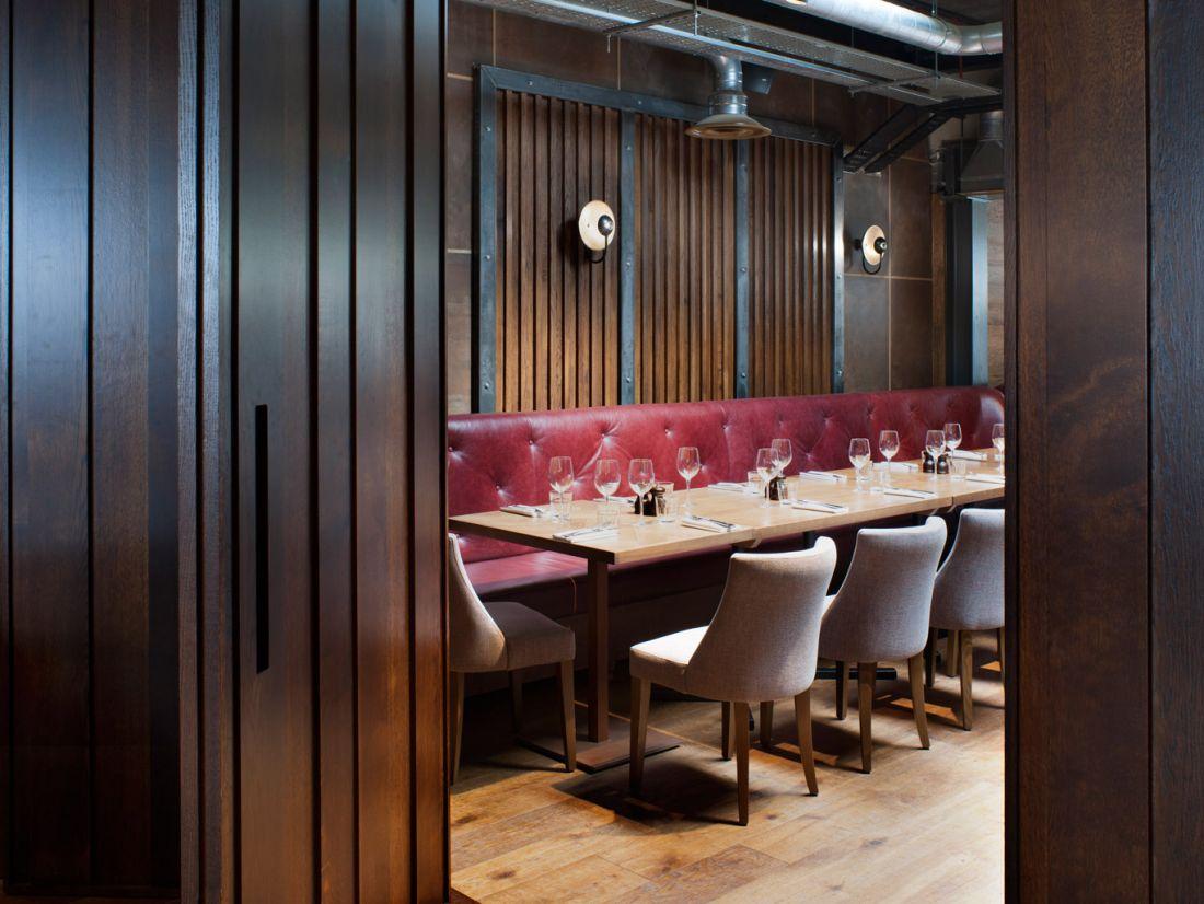 Oakman-Inns-Royal-Foresters-Dining3-PhilipVile